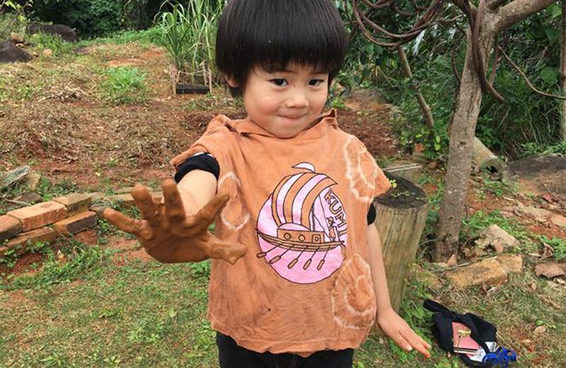 【泥エリア】Tシャツを染めたり、泥で遊んだり!
